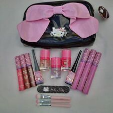 Little Bow Chic Beauty Set - Hello Kitty Make Up Set in Makeup bag - Ideal Gift