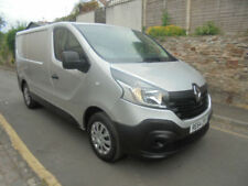 Renault Low Roof Commercial Vans & Pickups