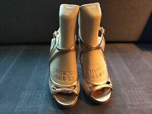 Jimmy Choo Women's Shoes, Gold, Strappy, Heels, Size 37 (EU) 4 (UK) 7 (US)