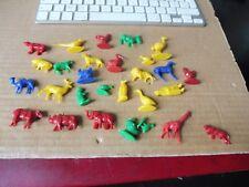 Lot animaux  figurines  monochromes- vintage