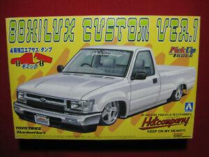 Toyota 80 Hilux Custom Ver.1 4WD Hot Company 1:24 Aoshima Pick Up Truck Ute 4x4