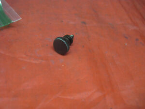 Singer 201 15-91 Sewing Machine Stitch Length Plate Thumb Set Screw BLACKSIDE