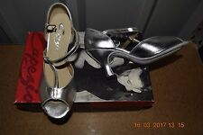 Silver Capezio open toe ballroom latin dance shoes - size UK 2.5