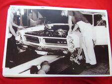 1965 PONTIAC GTO ASSEMBLY LINE  11 X 17   PHOTO   PICTURE