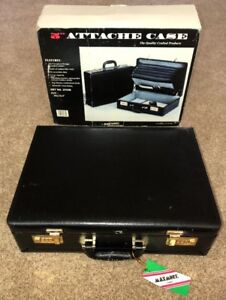 MAXMORE By TRAVELWELL Black Vinyl Combination Lock BRIEFCASE STYLE # 3933B