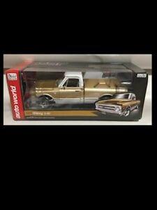 1968 Chevrolet pickup truck GOLD /White 1:18 Autoworld 1165