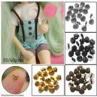 Bouton métallique Des habits de poupée. Mini bouton Bouton de couture