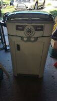 Vintage Nesco Roaster with cabinet local pickup and local delivery.
