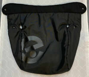 Oyster 1 Footmuff Cosy Toes Apron - Black - Great Condition