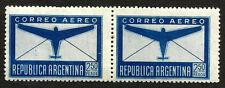 ARGENTINA Gj 849 par c/2 errores, derecha pto en ala izquierda, izq pto en marco