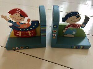 Pirate book ends kids