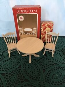 1:12 Dollhouse Miniature Table , 2 Chairs Set #8 New In Box