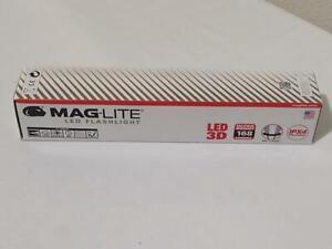 MagLite 3-D Cell LED Flashlight ST3D015, Black 168 Lumens New, Unopened