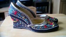 Black and gold womens shoes size 6