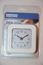 DAEWOO - Montre Réveil Alarme Analogique blanc DCA-24W Neuf