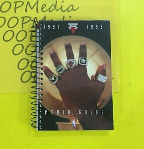 1997-98 CHICAGO BULLS Yearbook /Media Guide MICHAEL JORDAN NBA CHAMPS 1997 1998