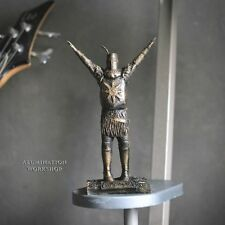 Dark Souls Solaire of Astora Praise The Sun Statue Aged Bronze Stylization