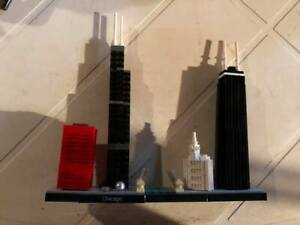 LEGO 21033 ARCHITECTURE CHICAGO SKYLINE COMPLETE W/ INSTRUCTIONS - NO BOX