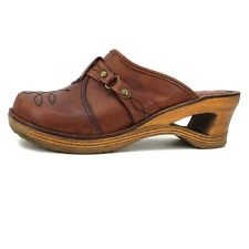Vtg 70s QualiCraft Casualets Clogs 9B Brown Leather Wood Cutout Heels Shoes
