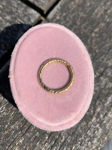 Antique 15ct Yellow Gold Engraved Split Ring