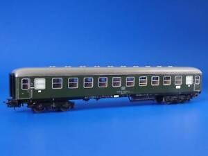 MARKLIN H0 - 4022 - DB 2nd class German Express Car / Version 4: 1971