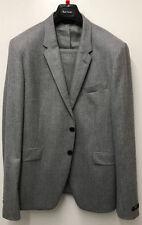 Completi e abiti sartoriali da uomo grigio