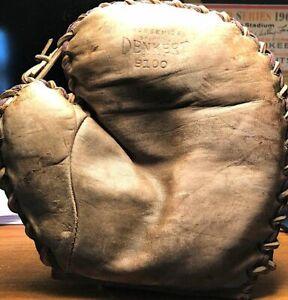 Vintage 1930's Denkert Buckle Back Amateur Baseman's Mitt Glove