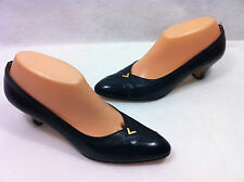Salvatore Ferragamo Chaussures pour Femmes Talon Moyen Imprimé Motif Serpent