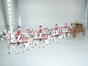 BRITAINS 40295 QUEEN ELIZABETH IN GOLDEN JUBILEE HORSE DRAWN CORONATION COACH
