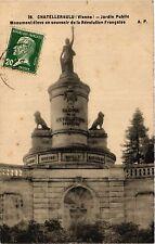 CPA Chatellerault - Jardin Public - Monument eleve en souvenir de la Re (365890)