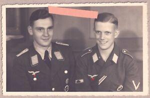 Portrait Foto Soldaten/Panzervernichter Abzeichen/Panzerknacker/Sturmabzeichen