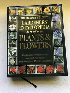 The Readers Digest Gardeners Encyclopedia of Plants & Flowers hc/dj 1992 GC