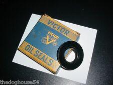 1 VG VICTOR OIL SEAL 64258 Chrysler T 828 829 833 vintage Gasket Co Sealing USA
