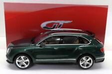 Voitures, camions et fourgons miniatures verts en résine cars