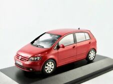 VW Golf Plus  2004-2008   rot metallic   / Minichamps  1:43