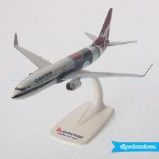Qantas Boeing 737-800 VH-XZJ Mendoowoorrji 1:200 Scale Plastic Model Aircraft