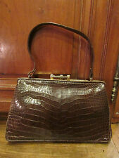 ancien petit sac shopping en cuir marron facon crocodile tamisier vintage 1960