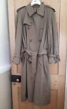 Inmaculada para hombre Burberry Verde Con Cinturón gabardina tamaño 54R Reino Unido 44