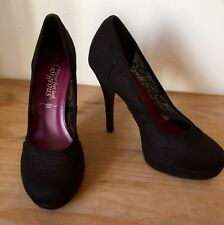 BLACK LACE EFFECT COURT SHOES SIZE 4 New Look High Heels