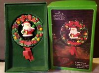 Vintage HALLMARK SANTA CLAUS TWIRL ABOUT Christmas STOCKING HANGER FRUIT WREATH