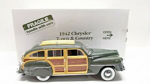 1/24 Scale Danbury Mint 1942 Chrysler Town and Country Polo Green