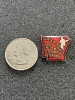 Arkansas State Shape Cites Vintage Travel Souvenir Pin Pinback #38543