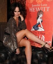 "Jennifer Love Hewitt in a 8"" x 10"" Glossy Photo b76"