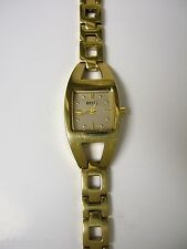 (W) RELIC GOLD SQUARE DESIGN BRACELET WATCH ZR33504 PRE-OWNED WORKING BATTERY