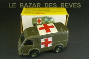 DINKY TOYS FRANCE. Ambulance militaire RENAULT. REF: 807. + Boite.