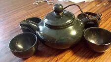 China natural dark jade pot with 4 cups天然的墨玉茶壶和4杯子