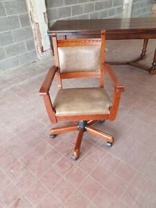 OLD CHARM/JAYCEE OAK LEATHER CAPTAINS/DESK CHAIR/ GREEN LEATHER DESK CHAIR