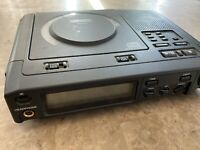 Superscope PSD220 Performing Arts Portable CD Player