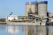 rp11389 - Cement Carrier - CSL Pacific , built 1977 - photo 6x4