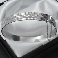 1979 Vintage Solid 925 Sterling Silver Diamond Cut Design Bangle Bracelet